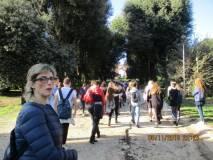 Partono i gruppi sul viale dei combattimenti del 3 giugno 1849 con la prof.ssa Paola Presentini per la III M