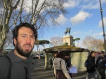 Claudio Mancini completa la sua lezione a Piazzale Garibaldi. Giuseppe Garibaldi, dall'alto del monumento lo ringrazia