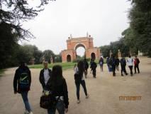La classe III D è già all'Arco dei Quattro Venti, ricostruito sui ruderi di Villa Corsini