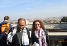 Roberto Calabria e Flavia Feola con alle spalle la vista su Roma
