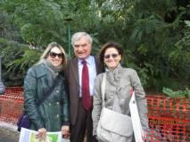 Enrico Luciani tra le prof.sse Gaetana Maria Mainenti (a sinistra) e Giuliana Iaquinta