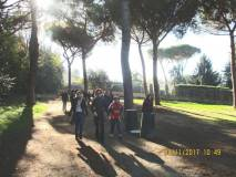 L'arrivo delle classi, in testa la prof.ssa Paola Zerbino