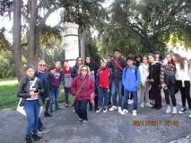 Foto di gruppo per la III E, al centro la prof.ssa Viviana Rizzo assai contenta