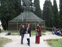 """Un momento di sosta alla """"voliera"""" per Mariapaola, Cristina Angeleri ed Elisabetta Cristiano"""