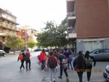 Il gruppo passeggia per Monteverde alla ricerca della fermata dell'autobus per andare a Piazzale Ostiense e lì prendere il trenino per ACILIA. Buon viaggio!