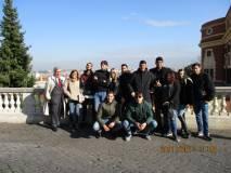 Foto ricordo per la classe 5 SDS con Enrico Luciani e la prof. Loredana Caterinozzzi