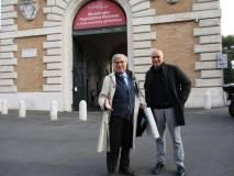 Enrico Luciani con il consigliere del XII Municipio Domenico Basile davanti al Museo della Repubblica romana: apprezzata la sua partecipazione