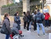 Beatrice spiega l'attacco dei francesi all'ottavo bastione: davanti al Casale Malvasia, detto anche Casa Merluzzo, attuale casa rustica dell'Accademia americana di Roma