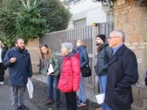 Roberto Calabria mostra il Vascello: sulla destra Franco Iacianci e Francesco Vacca
