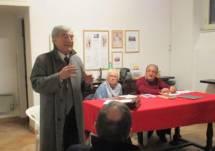 Enrico Luciani, presidente dell'Associazione, apre la riunione, ricorda la mattinata positiva al Mausoleo e presenta i relatori: Ivana Colletta e Massimo Capoccetti