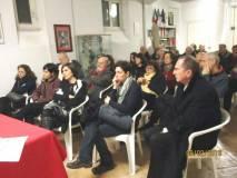 I partecipanti alla riunione seguono con molto interesse
