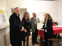 La premiazione della prof.ssa Flavia Feola per la III D dell'IC Montezemolo plesso Tre Fontane