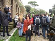 La prof.ssa Cinzia Suriani sembra soddisfatta, e non teme il cannone