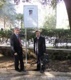Enrico Luciani e padre Filippo Lovison sul Viale dedicato a Luigi Magni