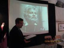 Particolarmente significativo il racconto di Filippo Lovison sulla figura di Ugo Bassi (in immagine durante la proiezione)