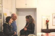 Ruggeri Domenico e Stefania Gagliardi parlano con Mara Minasi, responsabile del Museo R.R.