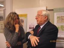 Arriva Vittorio Emiliani e si intrattiene con la responsabile del Museo R.R., dr.ssa Mara Minasi
