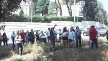 Dopo la spiegazione delle lapidi affiancate si entra a Villa Sciarra