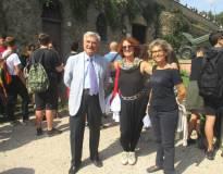 Foto di saluto e ringraziamenti: da sinistra Enrico Luciani, le prof.sse M.Grazia Orfei e Laura Toscano