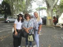 La I BL : da sinistra l'insegnante Laura Matano, la guida Daniela Donghia, la prof.ssa Alessandra Riso