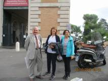 Al Museo della R. R. foto ricordo: da sinistra Enrico Luciani con le prof.sse Paola Morille e Alessandra Di Cervo