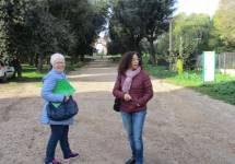 La nostra prof.ssa Ivana Colletta con la prof.ssa Rossella Comito sul viale dei combattimenti del 3 giugno 1849