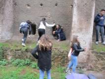 La III A recupera salendo all'ottavo bastione: si scalano le feritoie