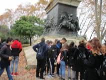 Di corsa, si riesce a vedere anche il monumento/tomba di Anita