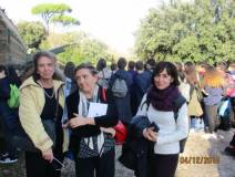 Al cannone Noemi Grimaldi con le proff. Germana Fazzi e Lucia Raffaelli