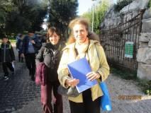 Noemi Cavicchia Grimaldi con la prof.ssa Lucia Raffaelli per la III A