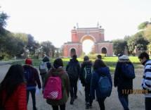 Verso l'uscita si incontra l'Arco dei Quattro Venti, costruito sui ruderi di Villa Corsini