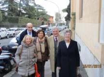 Luciani riporta il gruppo a Via Masina. Sullo sfondo VILLA SPADA; là l'estrema difesa dei Bersaglieri lombardi il 30 giugno 1849 e la morte di Luciano MANARA
