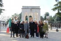 La nostra delegazione accoglie e saluta Mario Di Napoli, storico e funzionario alla camera dei Deputati, nostro amico già componente del Comitato Gianicolo