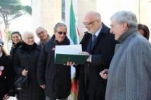 Mario Di Napoli mostra e legge la Costituzione del 1849