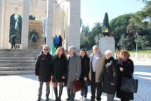 Da sinistra: Massimo Capoccetti, Mara Minasi, Enrico Luciani, Mariapaola, Roberto Cerulli, Ivana Colletta, Giovanna… sempre dietro, Daniela Donghia