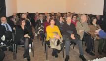 In prima fila, da sinistra Carlo Felici, la prof.ssa Marina Formica e, con le consorti, il prof. Antonio Bultrini e l'ing. Cesare Muzzi ; alle loro spalle la prof.ssa Concetta De Meo del liceo Manara