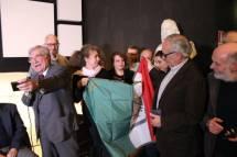 C'è pure la bandiera della Repubblica romana, tenuta da Roberto Cerulli e Noemi Grimaldi. E' per Luciani la bandiera. GRAZIE