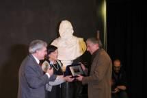 Due targhe premio per l'I.S S. Federico Caffè e per la Preside Marina Pacetti, sostituita per improvviso impedimento