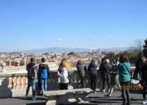 Davanti al FONTANONE panorama su Roma , anche la neve sulle montagne
