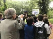 Il prof. Stefano Tagliacozzo mostra alla sua classe le immagini di RAFFET e le prime foto di LECCHI della batteria francese n.10