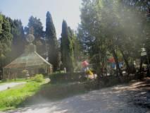 Si lascia Villa Sciarra (zona della voliera) per camminare verso l'ottavo bastione