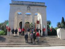 La delegazione porta l'omaggio ai CADUTI