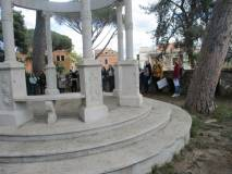 Entrati a Villa Sciarra si sale al sesto bastione e si sente un poco di magia e di antichità del mondo…