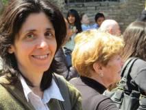 Si arriva al cannone : in primo piano la prof. Daniela Gigante, accanto a lei la prof. Adriana Falcone