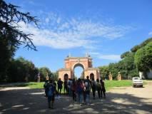 Sullo sfondo l'Arco dei Quattro venti ricostruito sui ruderi di Villa Corsini (il Casino dei quattro venti )
