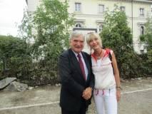 Enrico Luciani tenta la prof.ssa Paola Cigni, architetta, a collaborare con l'Associazione