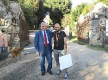 Enrico Luciani con Roberto Calabria attendono la classe 1 AL