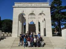 Foto di gruppo al Mausoleo