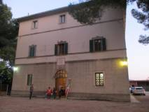 Lasciamo Palazzo Guelfi