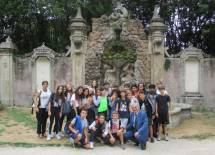 Foto di gruppo a Villa Sciarra: la fontana dei satiri (o dei fauni) che prima apparteneva alla Villa Visconti di Brignano d'Adda